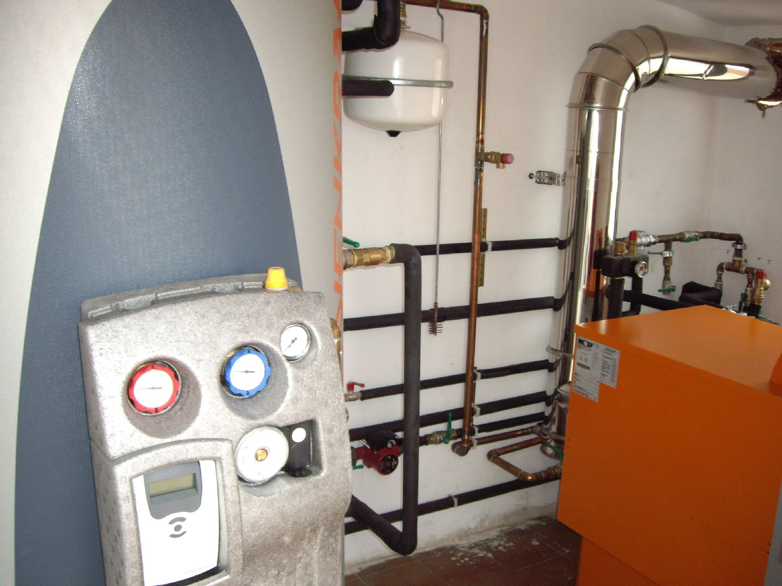 Instalacion de calefaccion solar for Calefaccion bomba de calor radiadores